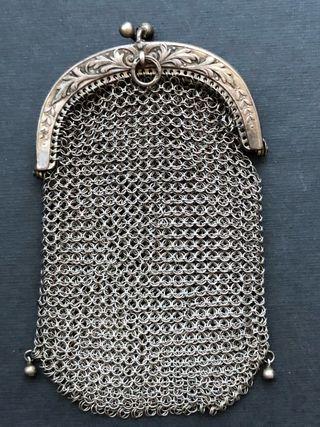 Bolsito monedero de malla antiguo de plata