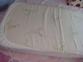 colchón de cuna,en perfecto estado