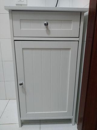 Mueble de cocina o baño con un cajón