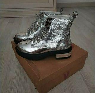 botas nuevas n. 38