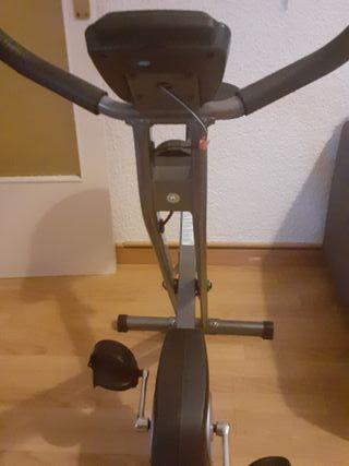Bicicleta estàtica casi nova