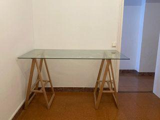2 mesas de cristal con caballetes