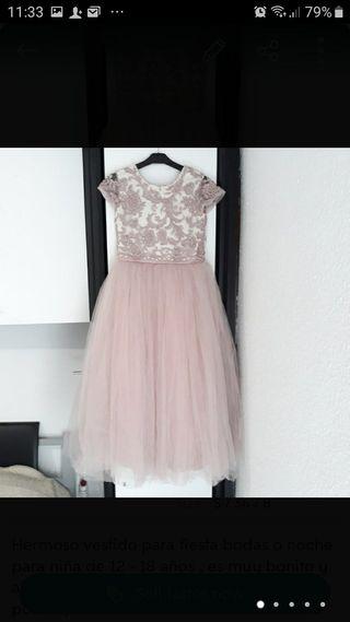 Vestido rosa con piedras niña