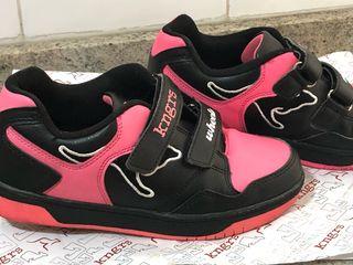 Zapatillas con ruedas para niña