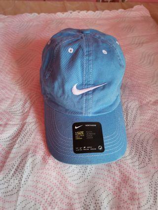 Gorra Nike para niño Color azul claro nueva