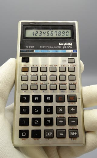Antigua calculadora Casio Fx-550 scientific