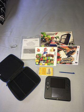 Nintendo 2Ds como nueva + juegos, caja, funda...