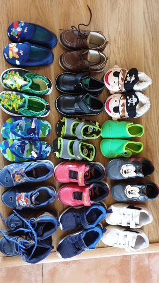 Lote de calzado para niño