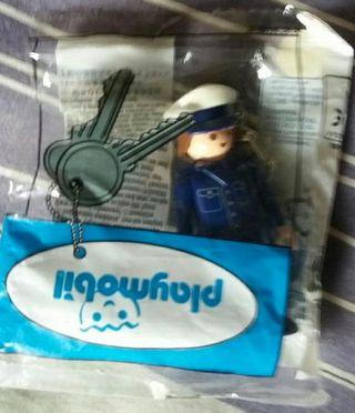 Playmobil: llavero policía. SIN ABRIR