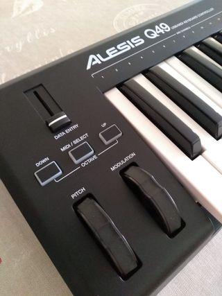 Teclado Alesis Q49