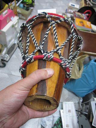 Tambor de piel y madera