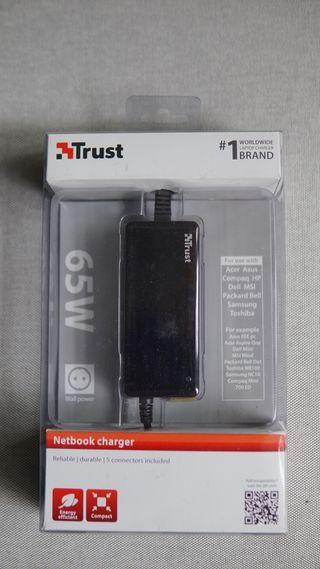 TRUST Cargador universal 65 W