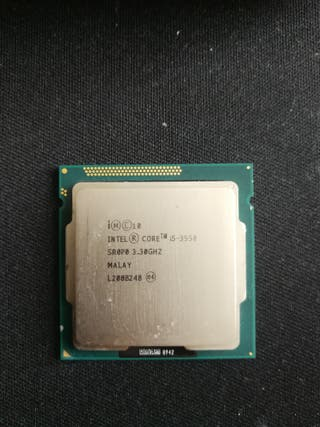 Procesador I5 3550 + disipador con ventilador.