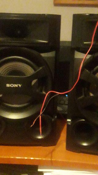 Bocinas Sony.