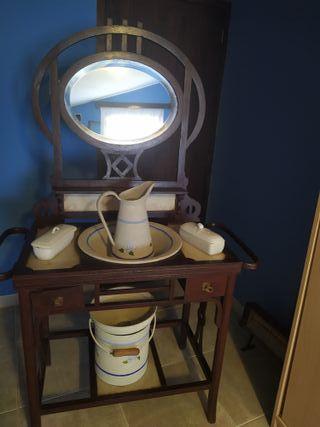 Lavabo tocador muy antiguo