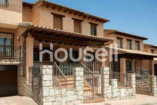 Casa de 320 m2 construidos y 190 m2 de parcela en