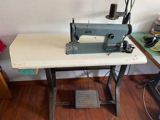 Máquina de coser Alfa industrial