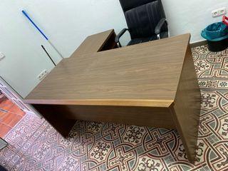 Mesa de escritorio madera noble