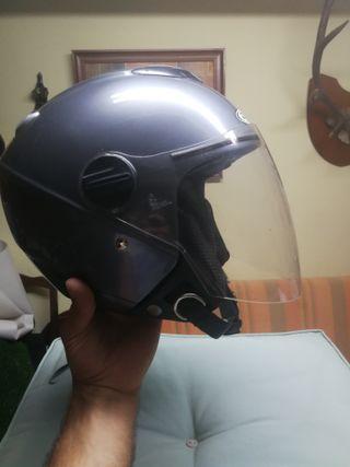Se vende casco con bisera y gafas integradas
