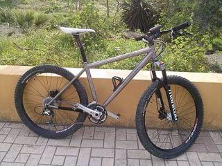 bicicleta titanio Lynskey 26'' mtb talla M.