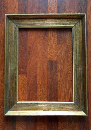 Marco madera muy antiguo