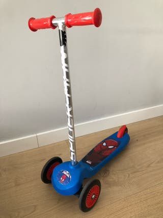 Patinete tres ruedas spiderman