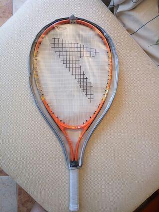 Raqueta de tenis nueva.