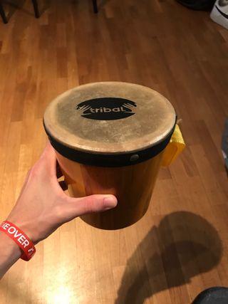 Bombo, pequeño tambor