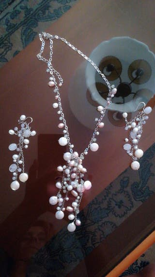 Collar hecho de perla y concha
