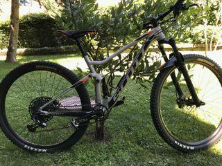 Bicicleta doble suspensión Scott.