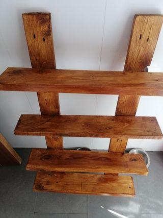 estantería de madera palet