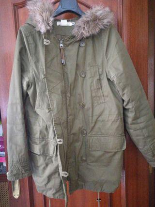 abrigo color militar