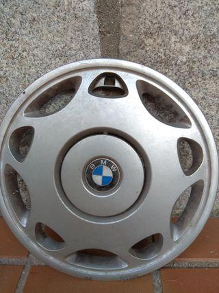 1 Tapacubo BMW