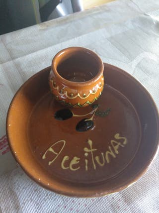 Platillo de cerámica aceitunero