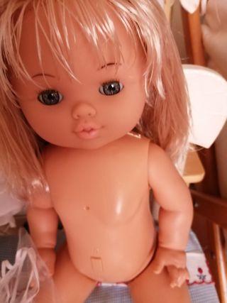 muñeca marca bebe