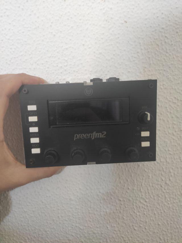 sintetizador fm preenfm2