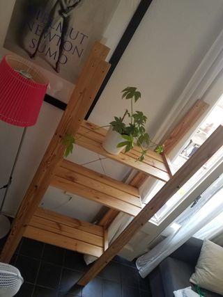 Estantería de madera Ikea