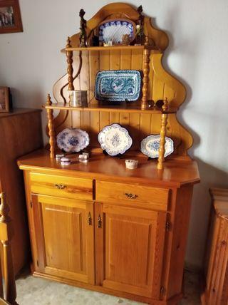 mueble de salón de madera de pino