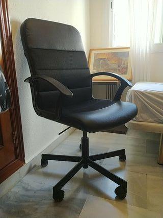 Silla giratoria despacho oficina negra ruedas