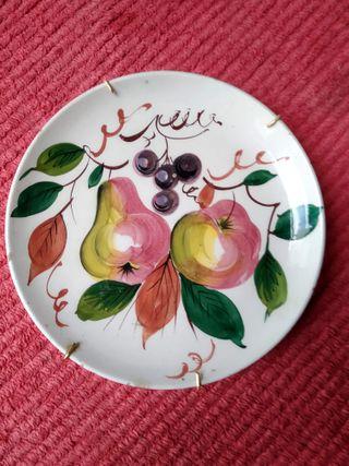 Plato vintage decorado frutas