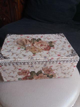 caja hecha por mi