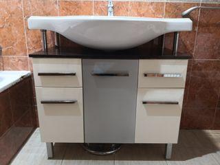 Mueble baño, espejo, aplique y mueble accesorio