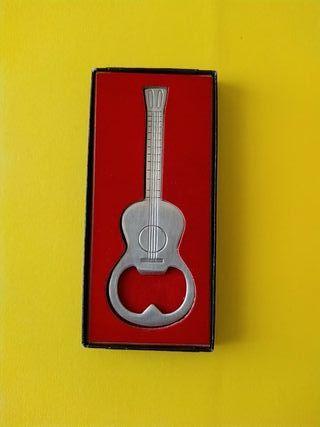 Abridor DEGINOX forma guitarra