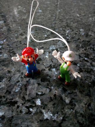 Llaveros Luigi y Mario