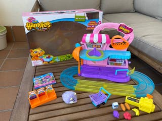 Supermercado Hamsters in a house