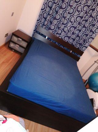 Cama Ikea+colchon+somier doble+mesilla+dos cajones
