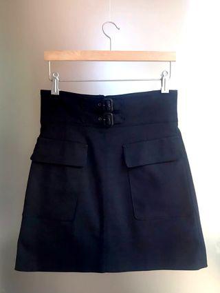Falda elegante negra · Zara