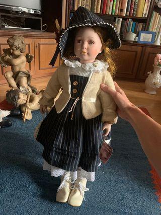 Preciosa muñeca collecionista