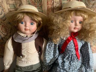 Muñecos (hermana y hermano) de marca Duck House