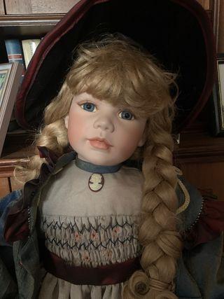 """Muñeca coleccionista """"Arabella"""""""